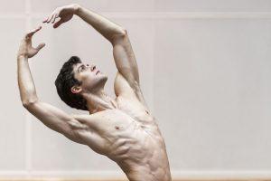 Roberto Bolle – La mia danza libera: l'analisi dell'evento