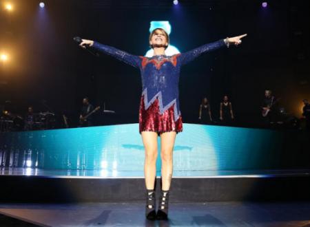 Alessandra Amoroso esce con un nuovo singolo, in arrivo un concerto e diverse sorprese!