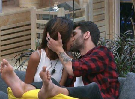 GF VIP: Al terzo giorno arriva il primo bacio!