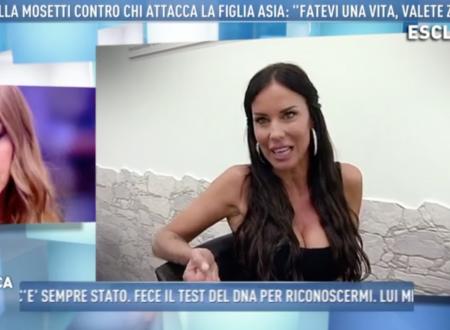 """Domenica Live – Antonella Mosetti attacca Karina Cascella senza nominarla: """"Persona che vale zero!"""""""