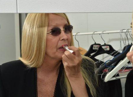 "Maurizia Paradiso svela il sesso di Amanda Lear e si infuria contro Malgioglio: ""Idiota col c**o consumato!"""