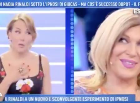 """Domenica Live – Nadia Rinaldi e la frecciatina a Barbara d'Urso: """"Ti devo rimproverare!"""""""